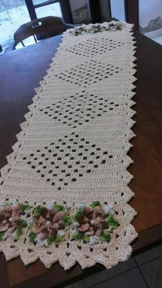 Crochet Scarves, Crochet Doilies, Crochet Stitches, Crotchet Patterns, Shape Patterns, Yarn Crafts, Household Items, Table Runners, Projects To Try