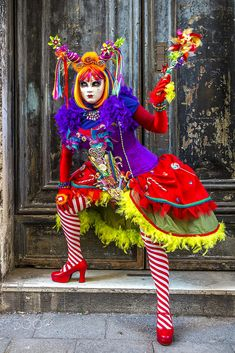 Venice Carnival - - Here's one of the more colorful, outrageous… Venetian Costumes, Venice Carnival Costumes, Carnival Of Venice, Carnival Masks, Venetian Masks, Pet Costumes, Cool Costumes, Halloween Costumes, Circus Outfits