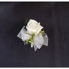 Wedding corsage, pin on corsage, rose corsage, prom boutonniere, rose... (13 AUD) ❤ liked on Polyvore featuring jewelry, brooches, white jewelry, rose jewelry, pin jewelry, flower brooch and rose flower jewelry