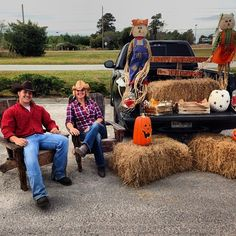 Country Chic Truck Bed