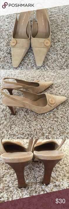 👠Sling Back Heels 👠 Antonio Melani Sling Back. Size 8 1/2. Light Tan color. I think they are suede(they feel like it). Pre-owned with normal wear on them. In good condition. Please feel free to ask any questions. Thanks ANTONIO MELANI Shoes Heels