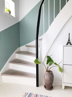 Our simple stair renovation with a decor list. Fairly fast and fairly budget-free . - Our simple stair renovation with a decor list. Fairly fast and reasonably budget-friendly … – friendly list Renovations, Stair Renovation, House Inspiration, Interior Stairs, Hallway Designs, Home Decor, Hallway Colours, House Interior, Frame Decor