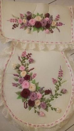 It is a website for handmade creations,with free patterns for croshet and knitting , in many techniques & designs Ribbon Embroidery Tutorial, Floral Embroidery Patterns, Learn Embroidery, Hand Embroidery Stitches, Silk Ribbon Embroidery, Hand Embroidery Designs, Cool Paper Crafts, Diy And Crafts, L'art Du Ruban