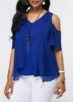Stylish Tops For Girls, Trendy Tops, Trendy Fashion Tops, Trendy Tops For Women Stylish Tops For Girls, Trendy Tops For Women, Royal Blue Blouse, Royal Blue Dresses, Simple Dresses, Blouse Designs, Fashion Outfits, Clothes For Women, Chiffon Shoulder