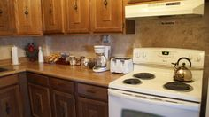 This is the kitchen in Wild Rose ready for your week-long business trip! #businesstrip #travel #travelnebraska #midwest #bedandbreakfast #itsthelittlethings #perks #hotels #lodging #westviewbb #nebraska #lnk https://www.instagram.com/p/BQN9FgHD8q_/ via http://www.westviewbb.com