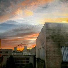 City sunrise  #iphoneonly#hdr #cityscape #city #procamera #iphoneography #skyporn #photooftheday #instadaily #Photography #meditation #travelgram #brussel #travelfriendly #wheretonext #brussels #architecture #sunrise #city #urban  #urbanwalls #architecturelovers #sky #clouds #offices