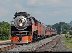Net Photo: SP 4449 Southern Pacific Railroad Steam at Winona, Minnesota by Tom Farence Pullman Train, Old Steam Train, Canadian Pacific Railway, Railroad History, Railroad Photography, Old Trains, Train Pictures, Train Engines, Bay City