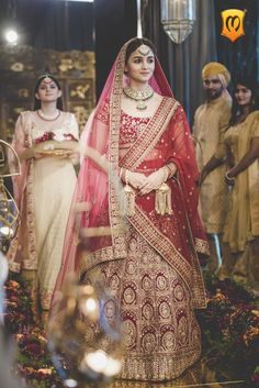 The bridal lehenga labels to look out for your upcoming wedding wedmegood. Indian Bridal Outfits, Indian Bridal Lehenga, Indian Bridal Wear, Bridal Dresses, Indian Bride Dresses, Bridal Dupatta, Lehenga Wedding, Wedding Mandap, Wedding Stage