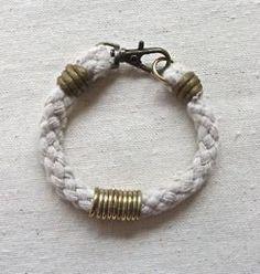 DIY: 25 Trendy Handmade Bracelets LLee check out closure