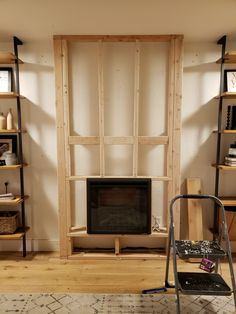 10 Contemporary Farmhouse Fireplace for Small Living Room - If you have a small living room, putting together a set of themed furniture might be quite a challenge. Find the solution in these farmhouse fireplace ideas. Fireplace Tv Wall, Basement Fireplace, Build A Fireplace, Shiplap Fireplace, Small Fireplace, Bedroom Fireplace, Farmhouse Fireplace, Fireplace Design, Fireplace Ideas
