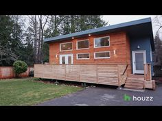 See an Eco-Friendly Backyard Cottage in 700 Square Feet - Modern Studio Rental, Backyard Cottage, Cheap Vinyl, Small Loft, Eco Friendly House, Small Studio, Tiny House Living, Pool Houses, Square Feet