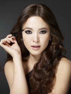 Song Hye Kyo ~ This is why they say she is one of the most beautiful faces in Korea.  I personally think she is one of the most beautiful faces in the world.