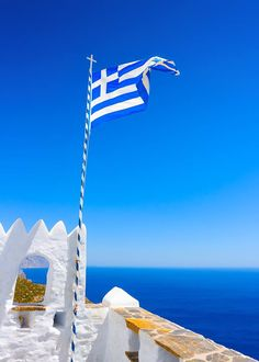 The Greek Flag in Santorini Greece Santorini Greece, Mykonos, Places Around The World, Travel Around The World, Greek Flag, Paradise On Earth, Europe, Greece Islands, Paros