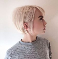100 Mind-Blowing Short Hairstyles for Fine Hair Sleek Blonde Bob With Backcombed Crown. Blonde Bob Hairstyles, Haircuts For Fine Hair, Hairstyles Haircuts, Pretty Hairstyles, Straight Hairstyles, Bob Haircuts, Thin Hair Bob Haircut, Wavy Hair, Backcombed Hairstyles