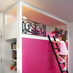 Very cool for a kid's room. Child's loft bed built on cabinet modules. To prevent falls wrought iron railings can be opened to facilitate the task of making the bed. One side consists of an integrated shelf. My New Room, My Room, Girl Room, Girls Bedroom, Bedrooms, Bedroom Ideas, Childs Bedroom, Kid Beds, Bunk Beds