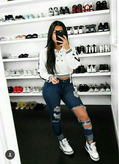 Hottest and Trendy Collection of Sweatshirt from this Celebrities and Models - WearitAfrica Cute Nike Outfits, Basic Outfits, Dope Outfits, Outfits For Teens, Trendy Outfits, Fall Outfits, Summer Outfits, Grunge Outfits, Teen Fashion