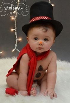 20 Ideas for Christmas Pictures with Babies 6 month pose – baby photography – holiday photography – Christmas – snowman - Cute Adorable Baby Outfits Baby Kind, Baby Love, Decoration Photo, Holiday Photography, Christmas Photography Kids, Birthday Photography, Foto Baby, Babies First Christmas, Newborn Pictures