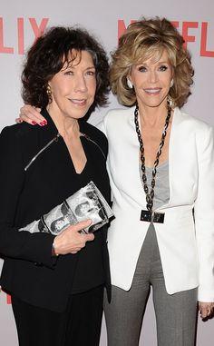 Love that Lily Tomlin 's purse has Jane Fonda's mug shot on it!!!!
