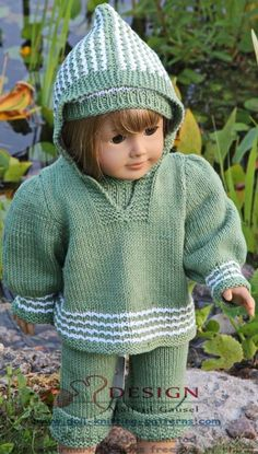 18 doll dress pattern - two lovely dolls in the green grass of summer