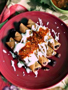Black Bean Flautas w/ Caramelized Onions by @leslie_limon | #tacos #meatless #vegetarian