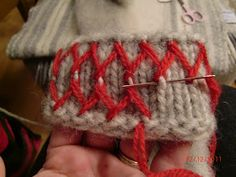 Here is a little description of how I can make my love roads. It … - Easy Yarn Crafts Joining Yarn Knitting, Knitting Charts, Knitting Patterns, Embroidery Techniques, Embroidery Stitches, Easy Yarn Crafts, Knit Crochet, Crochet Pattern, Viking Knit