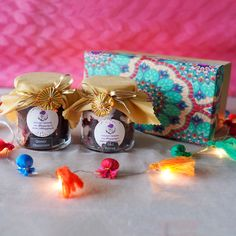 Order Diwali Special Cake Jars Hamper online in Delhi NCR from All Things Yummy. Choose from a variety of flavours and packaging options. Diy Diwali Gifts, Diwali Gift Box, Diwali Gift Hampers, Diy Gifts, Packaging Ideas, Food Packaging, Packaging Design, Diwali Decorations At Home, Stage Decorations
