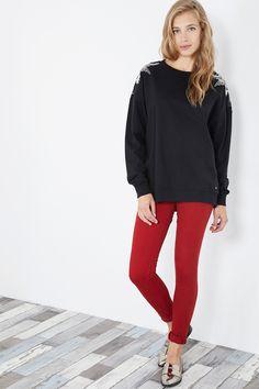 Venda Pepe Jeans / 28240 / Mulher / Camisolas, sweats e casacos de malha / Sweat bordada Preto