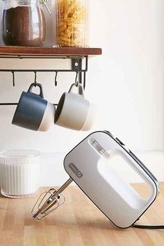 3-Speed Hand Mixer Kitchen Hacks, Kitchen Tools, Kitchen Things, Food Storage Organization, Apartment Projects, Mixers, Glass Containers, Unique Home Decor, Hand Washing