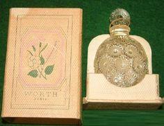 "❁ Rose ""Worth"" Lalique perfume bottle ❁"