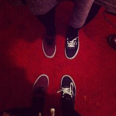 Me and @emmaanoble are cool! #shoeswitch #haha #gotsomuchamusment #freakedadamout #friends #partybants #allthelols #vans #topshop #skirt #noonecanhandleus #weretoocrazy #funny #coolkids #partyparty
