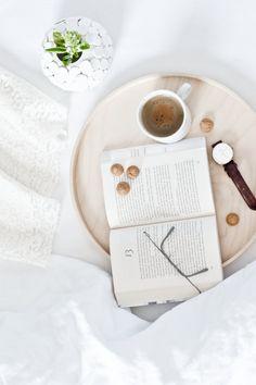 Interior • Bed • Decoration • Coy • White • Coffee • Book • Watch Coffee And Books, White Coffee, Tea, Watch, Tableware, Design, Home Decor, Dekoration, Clock