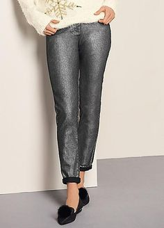 Stride out in style this festive season in our eye-catching, smart jeans. Slim leg to create a flattering figure. they boast a five pocket design with a front zip and button fastening. Add a gorgeous top and your favourite heels and you have a fantastic, glamorous outfit, ideal for all those Christmas parties! Alternativley wear with boots and a Christmas jumper. #Fashion #Style #Kaleidoscope #LoveToBeDifferent