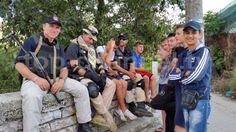 Fotoja e ditës: Çaste pushimi për policinë, shoqëruar nga fëmijët e Lazaratit.