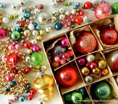 Into Vintage: Wrapping up a little vintage Christmas