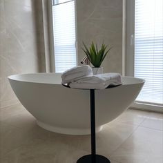 Modern bathroom design #bathroomdesign #selectlivinginteriors #interiordesign Modern Bathroom Design, Bathtub, Interior, Home, Bathing, Homes, Standing Bath, Bathtubs, Indoor