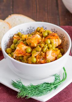 Chicken and Peas Stew – one of my all time favorite recipes and probably the easiest. Scottish Recipes, Turkish Recipes, Ethnic Recipes, Romanian Recipes, Romanian Food, Pork Recipes, Chicken Recipes, Healthy Recipes, Healthy Food