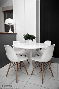 Via Huuto | Dinnertable | Black and White | Eames Dsw | Panton Lamp | Saarinen Table