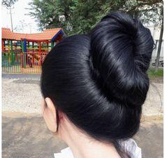 39 Trendy hair updos for kids bangs 39 Trendy hair u Long Thin Hair, Long Black Hair, Black Hair Bun, Dark Hair, Bun Hair, Hairstyles With Bangs, Cool Hairstyles, Trending Hairstyles, Silky Hair