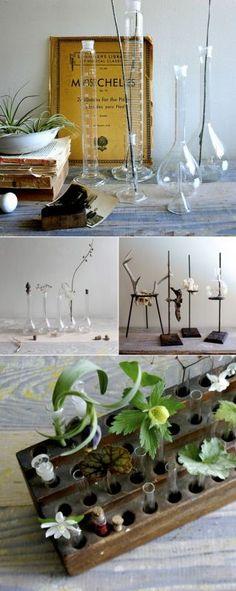 Lab en apothekersflessen als vazen - woonblog www.stijlvolstyling.com