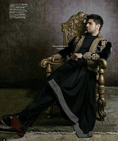 Sidharth Malhotra for Elle Man from Elle India November 2017 Issue Indian Men Fashion, India Fashion, Mens Fashion, Mens Sherwani, Wedding Sherwani, Bollywood Outfits, Bollywood Actors, Indian Designer Outfits, Indian Outfits