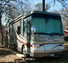2006, Phaeton M-40QDH Caterpillar 350 HP engine, Allison 6- speed Transmission, 4 slides, 2 A/C's/heat pumps - See more at: http://www.rvregistry.com/used-rv/1004035.htm#sthash.GU7d7QgA.dpuf