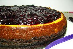 Cheesecake de forno com frutos vermelhos - http://www.receitasparatodososgostos.net/2016/08/21/cheesecake-de-forno-com-frutos-vermelhos/