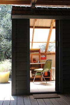 Heinz Veronique's Mid-Century Home + Prefab Cabin + Studio House Tour Cheap Prefab Homes, Prefab Cabins, Tiny House Cabin, Tiny Houses, Home Studio, Studio Spaces, Buying A New Home, Cabin Design, Modern Exterior