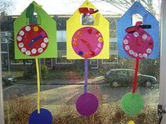 www.jufjanneke.nl | Tijd en klokken (lesideeën) Diy For Kids, Crafts For Kids, I Love School, Subtle Ombre, Clock For Kids, Wolf, Teaching Time, Theme Days, Lindbergh