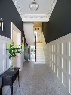 An Edwardian terraced house in Rathgar which has been given an elegant revamp. Ambient Architecture An Edwardian terraced house in Rathgar which has been given an elegant revamp. Georgian Interiors, Georgian Homes, Victorian Homes, Modern Victorian Houses, Victorian House Interiors, Edwardian Haus, Edwardian Hallway, 1930s Hallway, Grey Hallway