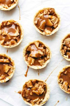 mini apple caramel pie