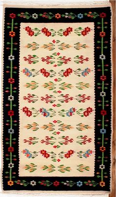 Handmade romanian traditional rug - Covor romanesc traditional lucrat manual - Canada Folk Embroidery, Gold Work, Kilims, Traditional Rugs, Cool Rugs, Turkish Kilim Rugs, Craft Projects, Carpet, Rug Patterns