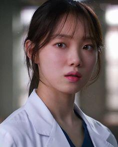 Lee Sung Kyung Doctors, Lee Sung Kyung Wallpaper, Weightlifting Fairy Kim Bok Joo Wallpapers, Medical Photography, Korean Actresses, Korean Celebrities, Korean Drama, Asian Beauty, Singer