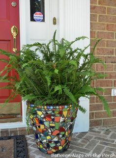 Between Naps on the Porch | A Beautiful Mosaic Planter for the Front Porch | http://betweennapsontheporch.net