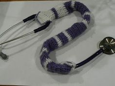 Stethoscope Cozy Crochet Pattern Free Crochet Pattern from the dailycrocheter.com  Would be a nice gift for your favorite doctor or nurse